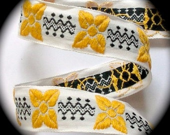 "Vintage Ribbon - 1"" x 3 yds. Natural, Black and Yellow Gold Flowers"