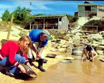 Postcard of The Panning for Gold - Sovereign Hill, Ballarat, Victoria - Australian Postcard - Vintage 1970s.