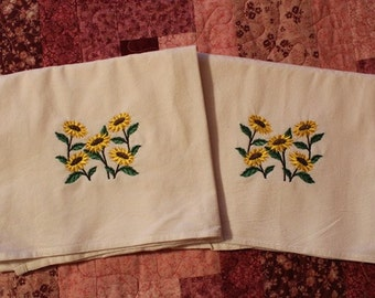 Pair of Machine Embroidered Sunflower Flour Sack Dish Towels