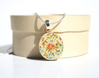 Cream Floral Pendant necklace best friend gift wood necklace floral valentines day gifts circle pendant eco friendly