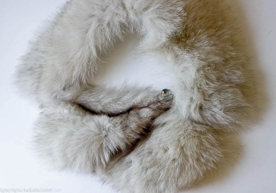 1920s Silver and White Fox Fur Shawl or Scarf