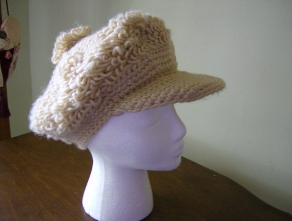 Newsboy Cap 1970s crochet in nubby beige yarn