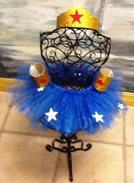 Adult wonder woman tutu costume with cape tiara cuffs and for Decoracion wonder woman