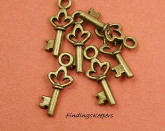 6 Key Charms Antique Bronze Tone - 18 x 7 mm -  bz087