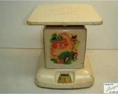 1930's 24lb Sears Maid of Honor Kitchen Scale With Fanciful Leprechaun On Front