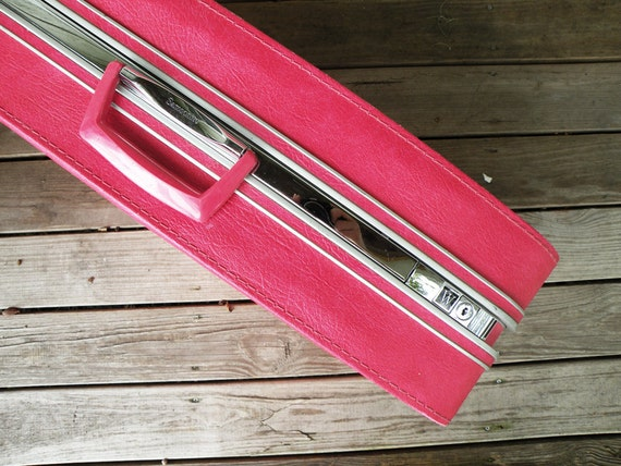 Large Hot Pink Samsonite Fashionaire Suitcase // Luggage Travel Storage Organization