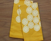 buffet napkins / set of two / golden yellow with white