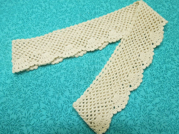 One 2 inch wide Vintage handmade Ivory hand crochet edging for pillowcases, housewares, supplies, home decor, trim by MarlenesAttic