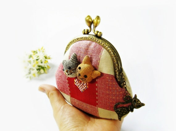 Coin purse, cat purse, metal frame purse, embroidery coin purse, 9.5 cm frame purse - made to order