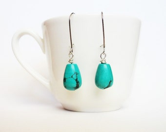 turquoise earrings, beaded earrings, turquoise dangle earrings, drop earrings, minimalist jewelry, kidney wire earwires, turquoise ear rings
