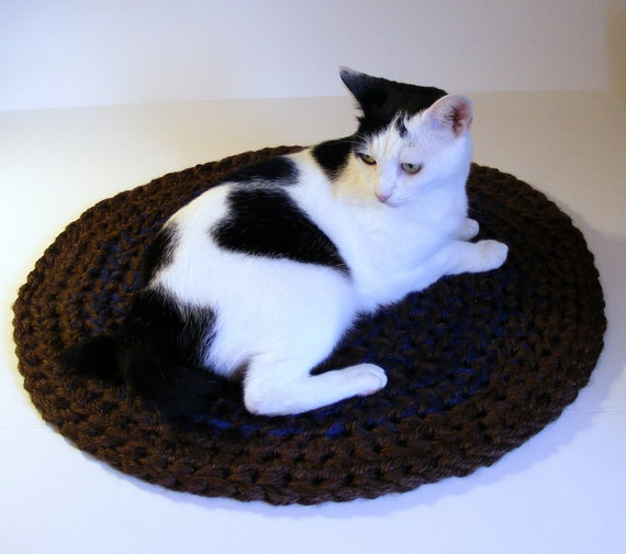Double Thick Crocheted Cat Mat Area Rug Or Pet Bed Round
