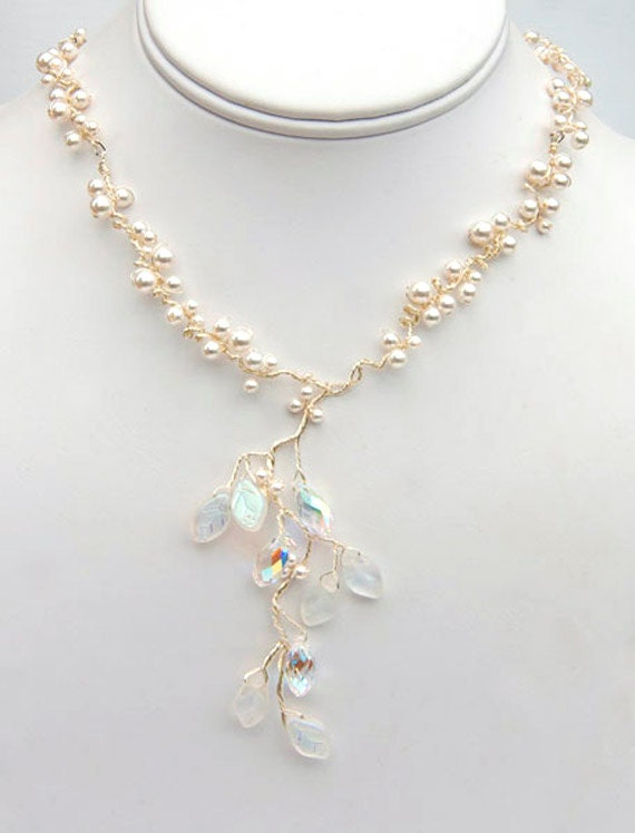 White Beaded Necklace, Pearl Necklace, Nature Jewelry, Bridal Jewelry