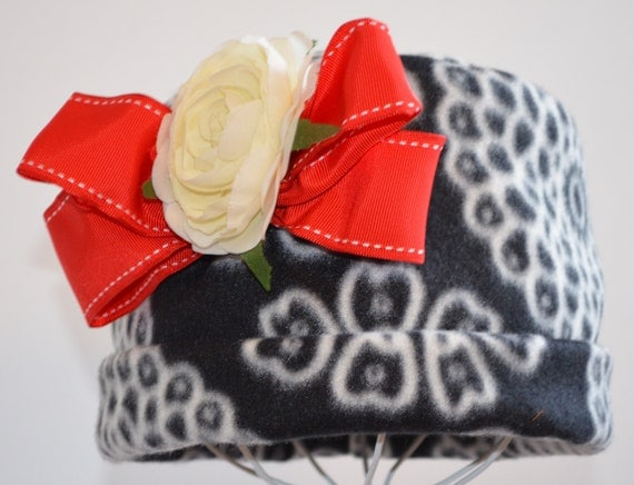 SALE.......... Girls Fleece Hat.  Girl's Cap.  Cloche In Black White And Red