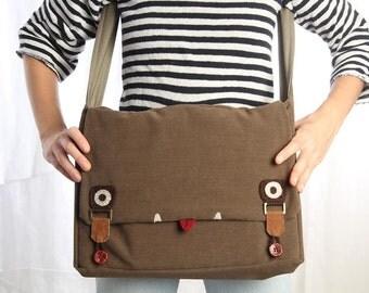 Brown messenger Bag, Laptop messenger Bag, Men messenger Bag, Vegan Messenger Bag, School Messenger Bag, Cute Messenger Bag, Back to School