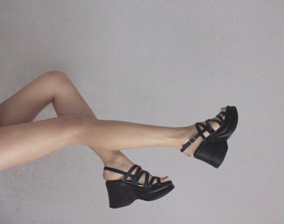 90s strappy platform sandal