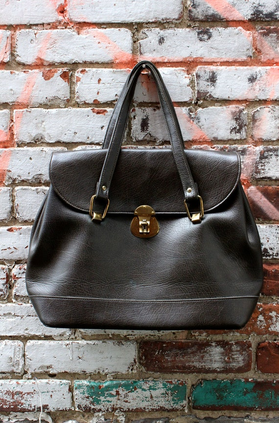 Vintage Large Grey Leather Handbag / 60s Purse with Gold Plated Closure / Oversized Doctor Bag