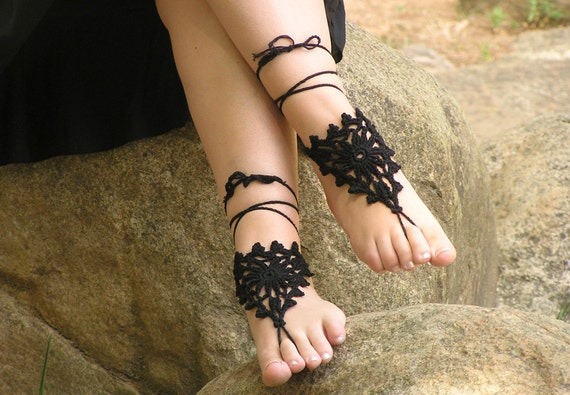 Crochet Barefoot Sandals for Beach Wedding - Black Gothic Foot Jewelry, Barefoot Sandles, Made to Order