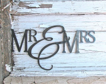 "Metal Wall Hanging ""Mr & Mrs"""