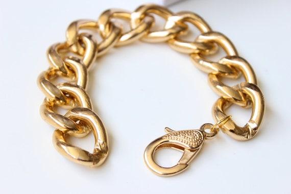 Single Chunky Gold Curb Chain Bracelet