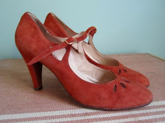 RESERVED 1950s high heels/ brown suede 50s heels/ ankle strap high heels sz 7