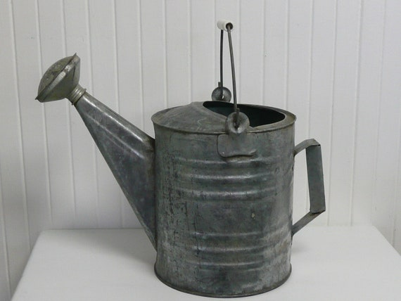 Vintage Galvanized Metal Watering Can, Vintage Home and Garden Decor, Collectible