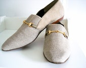 Vintage 80s canvas & suede leather shoes/ tan loafers 9 M size/ beige flats by Dolly Duz/ horsebit detail