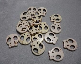 Beige Turquoise Howlite Skull Beads 21mm-22mm x 19mm-20mm