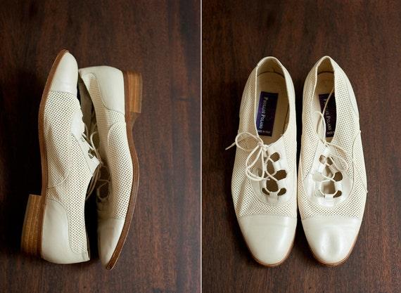 Vintage Mesh Cream Brogues, Size 7.5/ Size 7.5 Wedding/ 20s Style/ Phyllis Poland