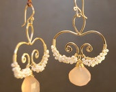 Hammered swirls with ivory pearls and rose chalcedony Nouveau 135