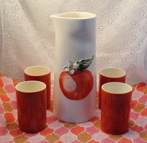 Vintage HOLT HOWARD JUICE Retro Beverage Set Pitcher Tumblers Orange Apple Cottage Farmhouse Kitchen Decor 1960 Breakfast Table