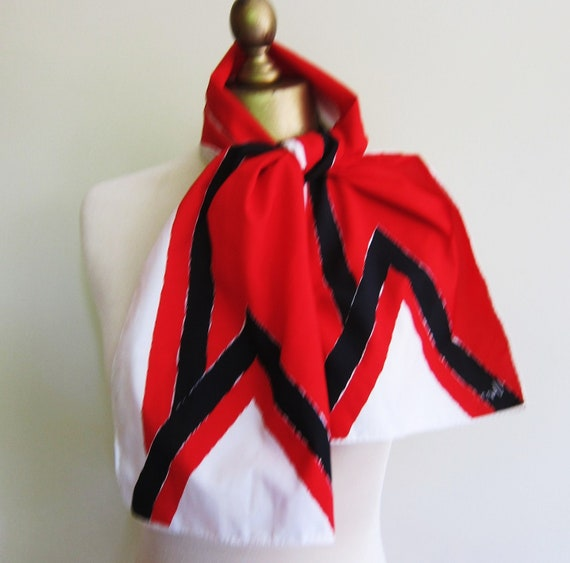 Vintage VERA oblong scarf 70s red black and white