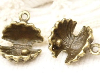 Exquisite 3D Oyster Shell and Pearl Charm, Antiqued Bronze (6) - A109