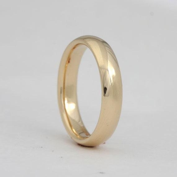 14k yellow gold wedding band, size 7 3/4, #221.
