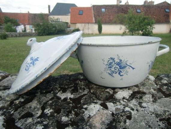 1940 Vintage French saucepan or pot blue and white enamel
