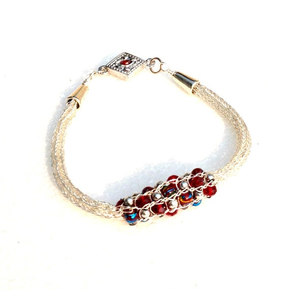 Ladies Viking knit chain bracelet: silver, red bead