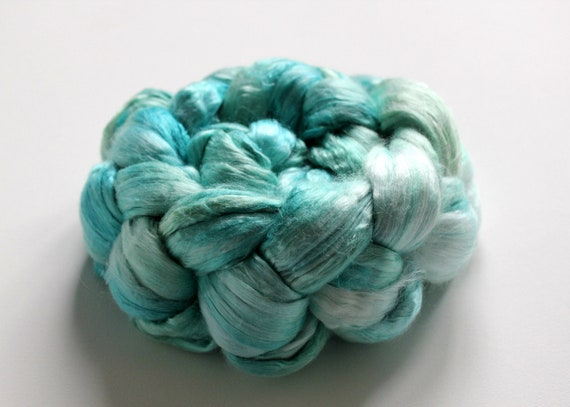 Seychelles - Mulberry Cultivated Bombyx Silk A Grade Silk in Aqua, Blue, turquoise and White - 4.40 oz