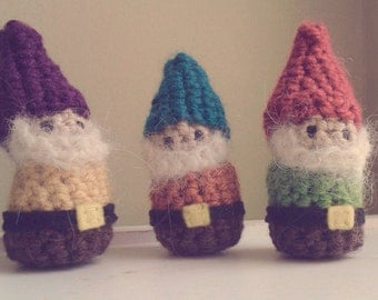 Gnome Crochet Stuffed Doll Toy Lucky Pocket Green Red Yarn