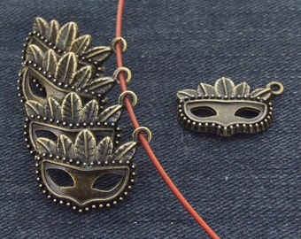 10 Charm  face mask bronze Plated Victorian Pendants Link Beads ----- 15mmx 22mm ----- 10Pieces 2F