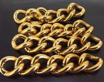 6Loops 5Chains Twist O Plated Gold Metalic Aluminium Chunky Curb Chain ----- 18mmx 22mm---thickness about 5mm