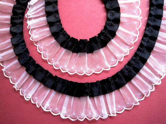 "Pleated Organza Lace with Ribbon, Black / White, 7/8"" Ribbon with 1 1/2"" Organza, 1 yard For Romantic & Victorian Crafts"