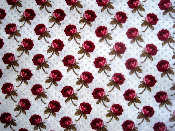 "Roses On Dotted Champagne Fabric, Fat Quarter, Multicolor / Champagne, 18"" X 22"" inches, 100% Cotton, For Victorian & Romantic Projects"