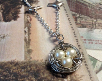 Three Bird Nest Necklace, Three Egg Nest Pendant, Pearl Bird Nest, Birds Nest Necklace, Mother's Day gift
