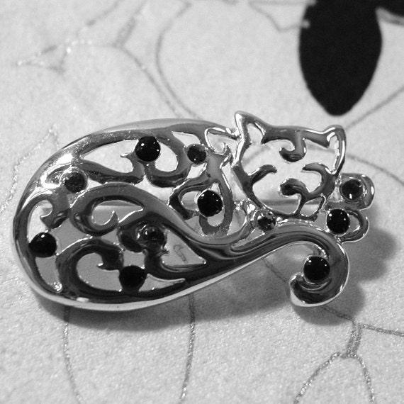 Danecraft silver tone cat pin or brooch