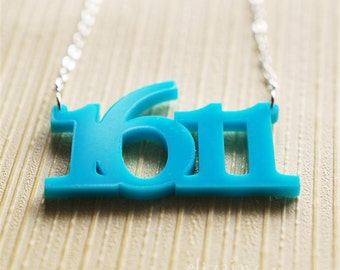 numbers acrylic necklace