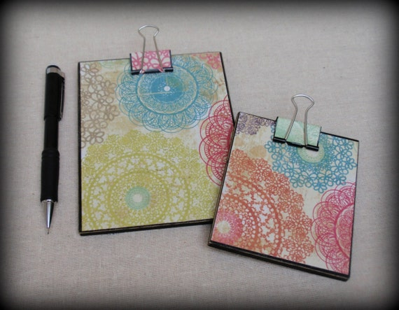 Set of 2 Mini Clipboards, Notepad, Post-It Note Holder -  Multicolored Pattern.