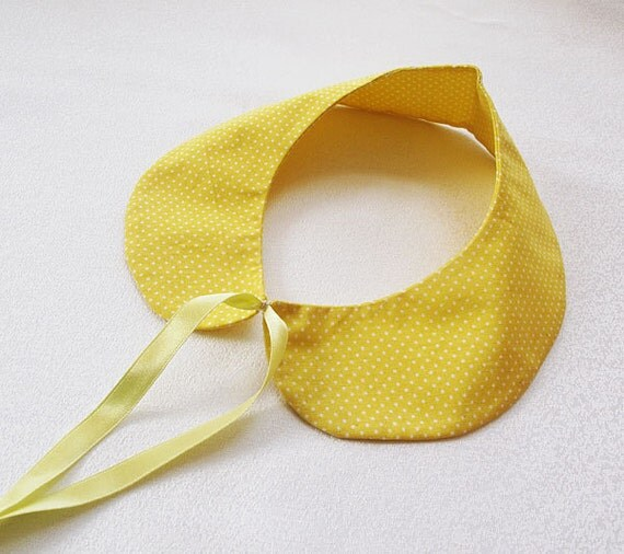 yellow spotted-  collar necklace-  Day - Simple