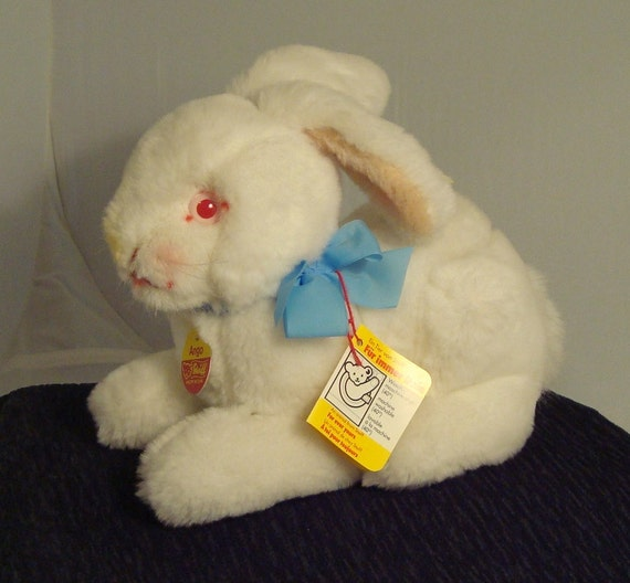 """Vintage 1970's Steiff Bunny Rabbit """"ANGO""""  5526/25 with all Original Tags and Ear Button"""