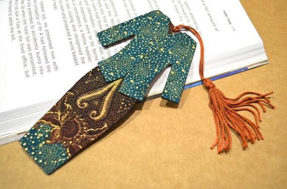 Malaysian Traditional Baju Kebaya Fabric Bookmark (Batch 3): Green and Brown With Gold Patterns