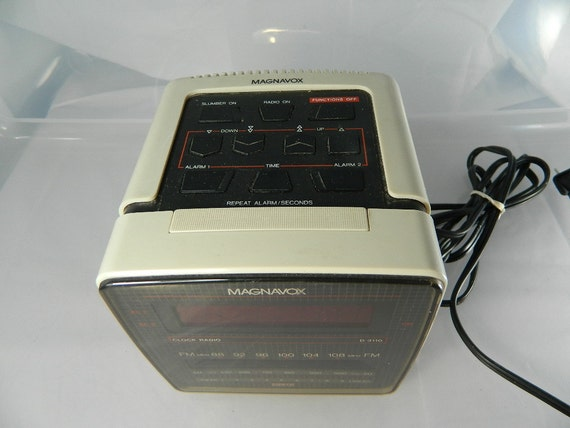 Magnavox Cube Clock Radio D3110 Dual Alarm AM FM Clock Radio 1980s On Sale
