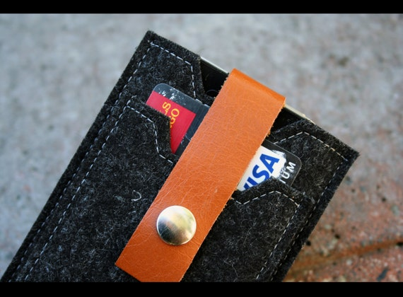 pure Merino wool felt iPhone case - mini wallet with leather strap